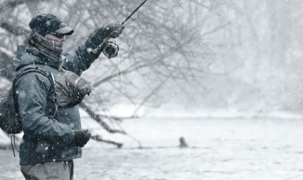 Tricks and secrets of winter fishing